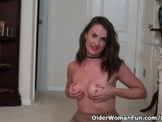 American mother Stacy performs with pantyhosed pussy