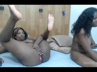 Double Latina pussy play