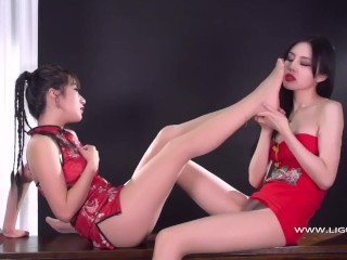 chinese language lesbian footsie and kissing