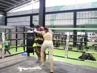 Muyai Thai Woman coaching 2