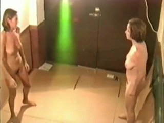 Marta vs Cristina, Spanish Moms, 2006.