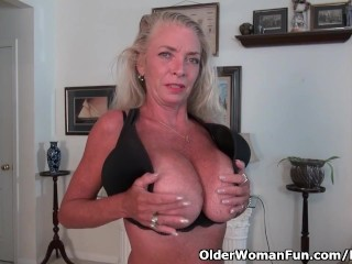 American gilf Kyle spoils us together with her huge boobs
