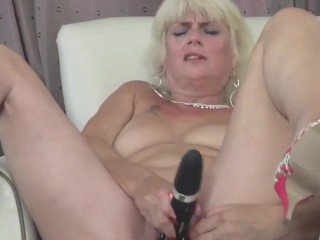 busty mature with sopping wet vagina