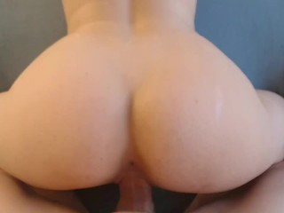 Mature performs with ass