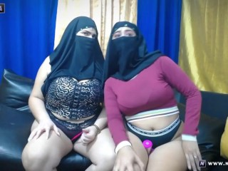 four Muslim Lesbians in Hijabs on Webcam Display at Naseera