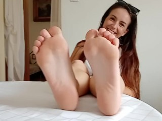 Lovable Youngster Lady Display Yummy Giant Toes and Soles
