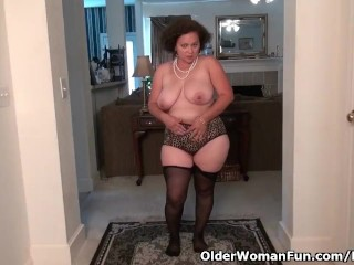 American milf Marie Black will assist you to revel in her pussy