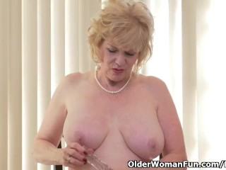 American gilf Sindee Dix will display you what she likes maximum