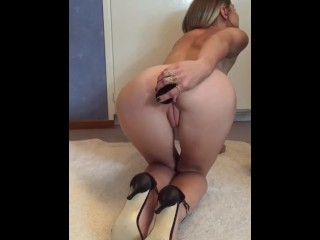 Easiest woman do anal plug insertion