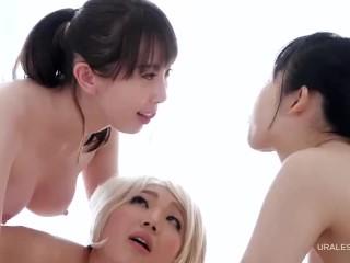 Asian kissing threesome