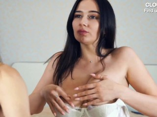 BEAUTIFUL SEXY CAM GIRLS KISSING AND SUCKING DILDO | CAMS