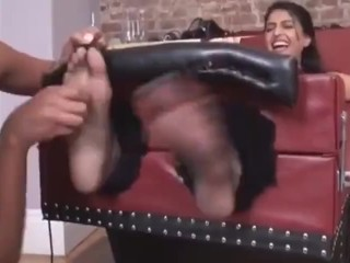 Indian tickling toes