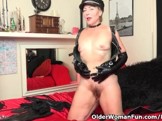 American milf Justine needs to play in leather-based underwear
