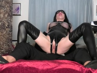 Attractive tinder date unearths crotchless latex outfit adopted through deepthroat & pussy creampie fuck