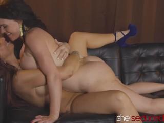SHESEDUCEDME Mature Woman Syren De Mer Consuming Juicy Pussy