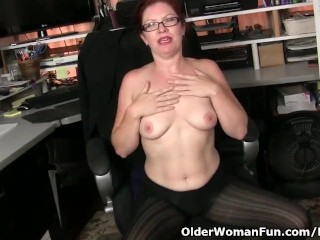 American milf Kimberlee wishes getting off so badly