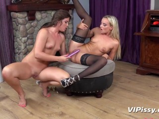 Scorching Blonde In Stockings Pisses Over Brunette