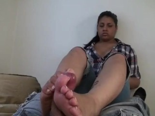 Curvy Local American Provides Her First Footjob