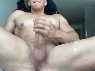 HUGE WHITE COCK DESTROYED AND JERKED OFF TO ORGASM! HOT MUSCULAR GUY