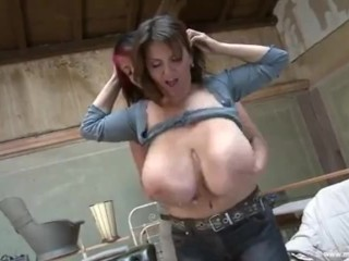LoLa & MiLena VeLba – large naturaL tit worship