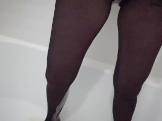 My rainy pussy pissed on nylon pantyhose in the toilet