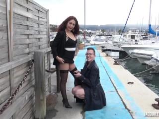 Lesbiche feticiste in pubblico