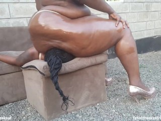 Head Humping On Subslutt Princess's Head To Please Her Grasp