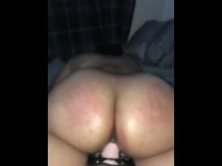 Bubble butt babe will get pounded by way of strap