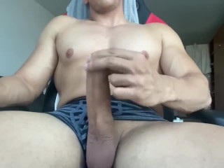 HOT SEXY GUY JERKING OFF HIS HUGE WHITE COCK