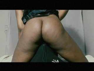 Facesitting him till I Cum – Newbie Babe Pussy Licking