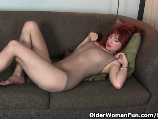 American milf Amber First light pleasures her nyloned cunt