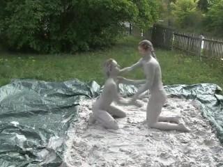 Zwei geile Deutsch Piss Women