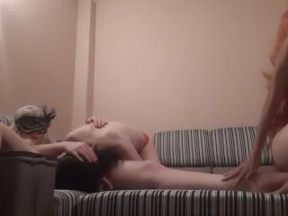 Lesbian foot fetish with cunnilingus – IkaSmokS
