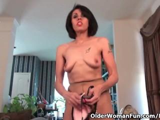 American milf Gypsy rubs her luscious love hollow