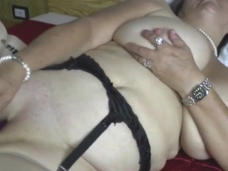 outdated granny with large baggy titties and hungry cunt