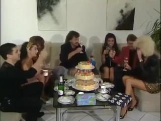 Unicron Glad Birthday Dolly