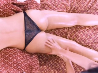 The name of the game of gorgeous hips with Thai therapeutic massage. 泰式按摩美麗臀部的秘密