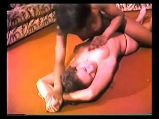 Interracial Lesbian Catfight – Guidi vs Mitzi