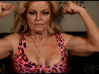 American MILF flexes her truly just right biceps
