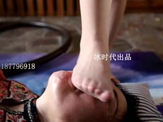 Chinese language lesbian face trampling